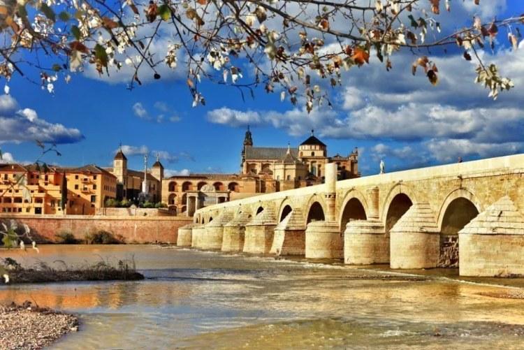 free tour por cordoba puente